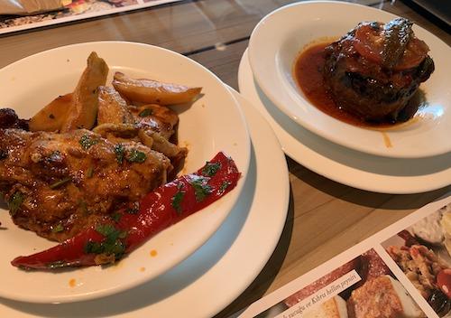チキンの煮物とナスとお肉のケチャップ煮